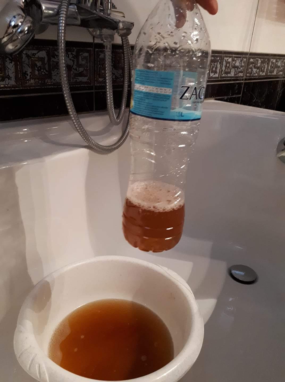 Κόκκινο νερό στη Νεάπολη!!!! Καταγγελία..